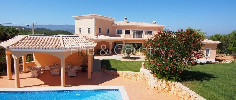 Property of the week: ALCALAR – Superb 4-bedroom villa with panoramic mountain views