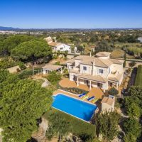 Property of the week: CARVOEIRO – Superb 3-bedroom villa with pool in a quiet residential area