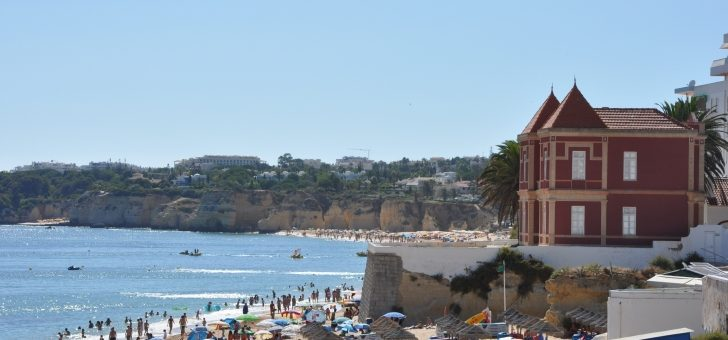 Algarve remains cheapest holiday destination for Brits