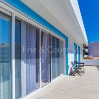 Property of the week: CARVOEIRO – Modern 4-bed town house walking distance to the center