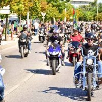 Over 25,000 flood Faro for bikers' rally