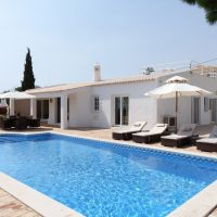 Property of the week: CARVOEIRO- 4-bed villa with pool and stunning ocean views