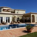 Property of the week: CARVOEIRO – Traditional 4-bed villa with pool and distant sea views