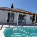 Property of the week: CARVOEIRO – Completely refurbished 3-bedroom villa with pool