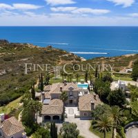 Property of the week: CARVOEIRO – Magnificent 5-bed frontline villa with heated pool and large basement