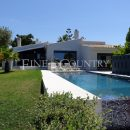 Property of the week: ALVOR – Modern, single-storey 4-Bedroom Villa with Overflow-Pool